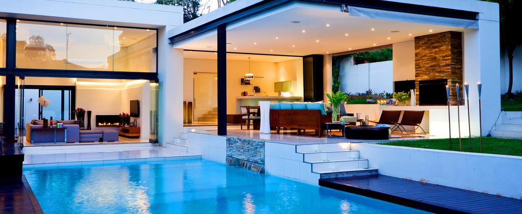 http://www.termopanefocsani.ro/wp-content/uploads/2016/02/luxury-house-1024x420.jpg